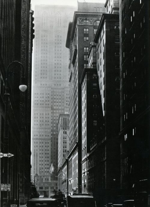 skyscraper:  liquidnight:  Berenice Abbott Vanderbilt Avenue Looking south from 47th Street, October 9, 1935 From Berenice Abbott: Changing New York  I love street-level shots of big cities. It's like the skyscrapers wrap me up like a warm, protective blanket.