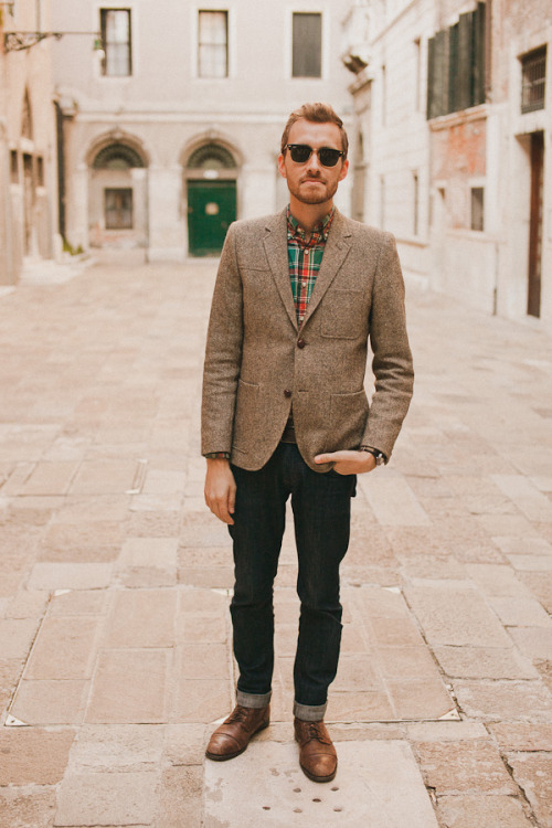 October 21, 2011. Venice, Italy. Blazer: H&M - $160 (similar style)Shirt: J. Crew (on sale) - $19Jeans: Doctrine Denim - c/o Doctrine Denim (similar)Boots: Topman - $100 (similar)Watch: K-Mart - $11Sunglasses: Ray Ban - $110  View on: Lookbook.nu | Chictopia