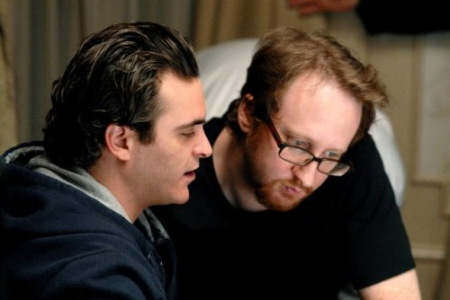 Joaquin Phoenix and James Gray on-set of We Own the Night (2007)