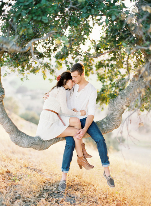A sweet and lovely engagement photo (via Young Love -Editorial « Jose Villa | Fine Art Weddings)
