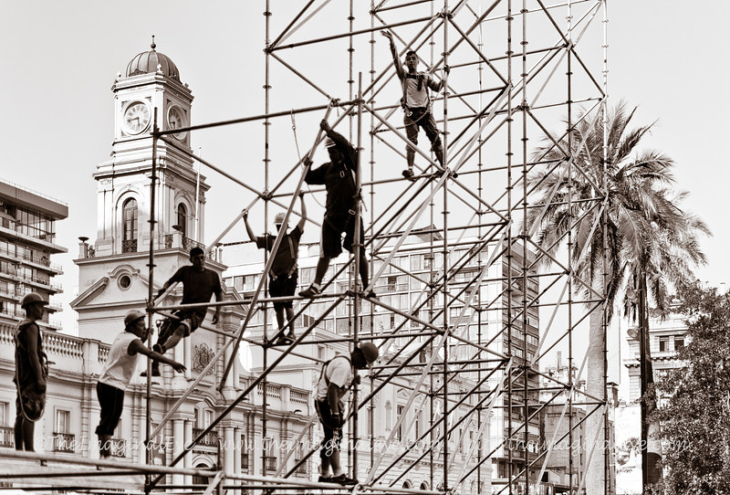 New Blood OrchestraScaffolders at work in the centre of Santiago, Chile.