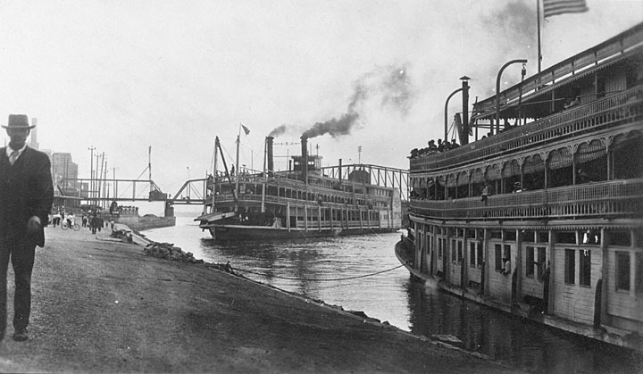 Mississippi Riverboat c. 1900