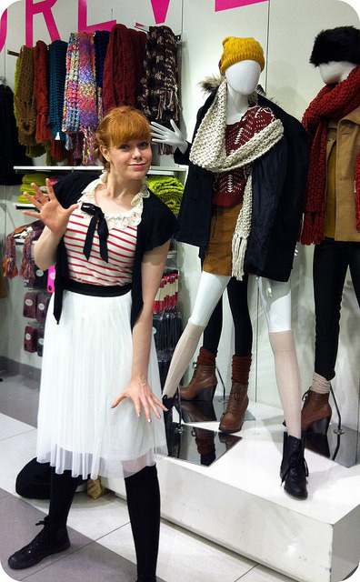 Rae, impersonating the awkward mannequin poses at Forever 21.