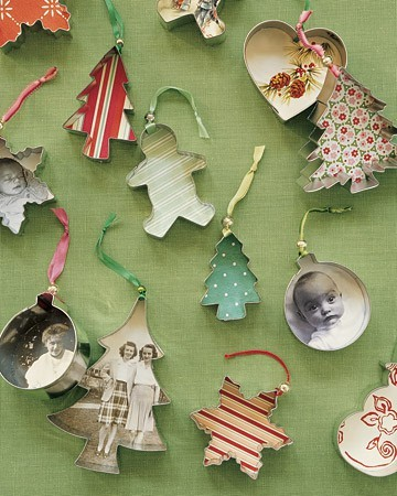 It'll soon be Christmas!!! Learn how to make these little adorables for your tree in part two of my 'Tis the season' Christmas craft series at piecesofwonderful.blogspot.com