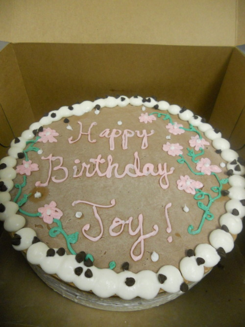 ‎.5 Chocolate and .5 Vanilla Ice Cream Cake. Happy Birfday Joy :)
