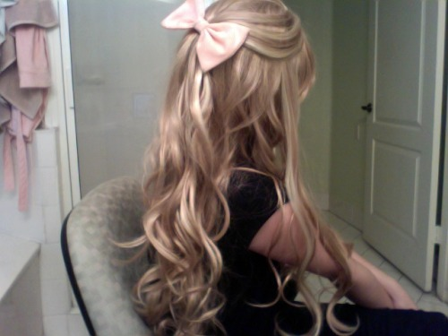 katrina-annaliese:  Why cant my hair be like this?  Pretty
