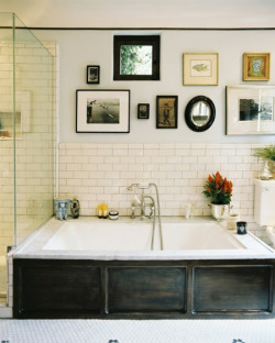 (via Bathroom Inspiration | House & Home)