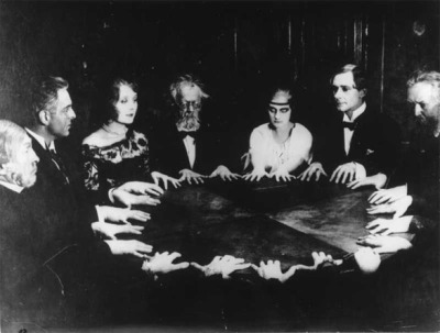 Photo from the set of Dr Mabuse der Spieler (Dr Mabuse the Gambler). Fritz Lang, 1922.