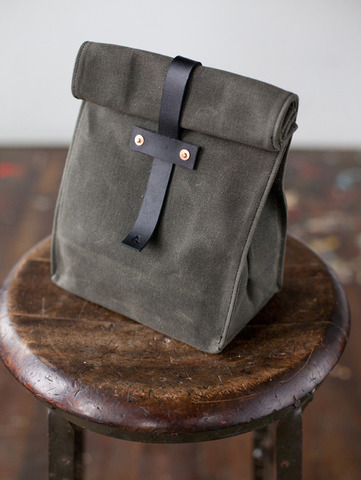 rusticpeace:  Eco-Friendly Lunch Bag http://shop.artifactbags.com/products/no-215-olive-lunch-tote