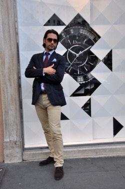 Lorenzo, Business Manpants Marc Jacob, blazer Ralph Lauren, shirt custom-made, tie Ermenegildo Zegna, shoes Longhi, glasses Bulgari