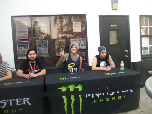 iseesandra:  Tino, austin, shayley :) photo by: alejandra r  Bakersfield Dome ;)