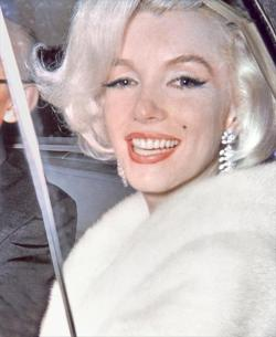 Marilyn arriving at Madison Square Garden to sing Happy Birthday to President Kennedy, New York City, May 19, 1962