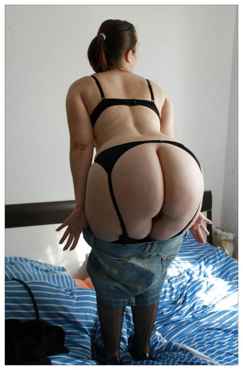 thickwifes:  Whooty Wednesday!