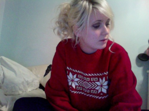 my awesome new sweater that i loooooove. and totally got matching boots for.