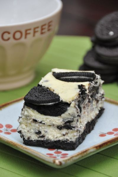 imgoingtobeacook:  Oreo Cheesecake click image for recipe