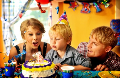 Mine Music Video Birthday Scene (Originally Posted At TaylorSwift.com)