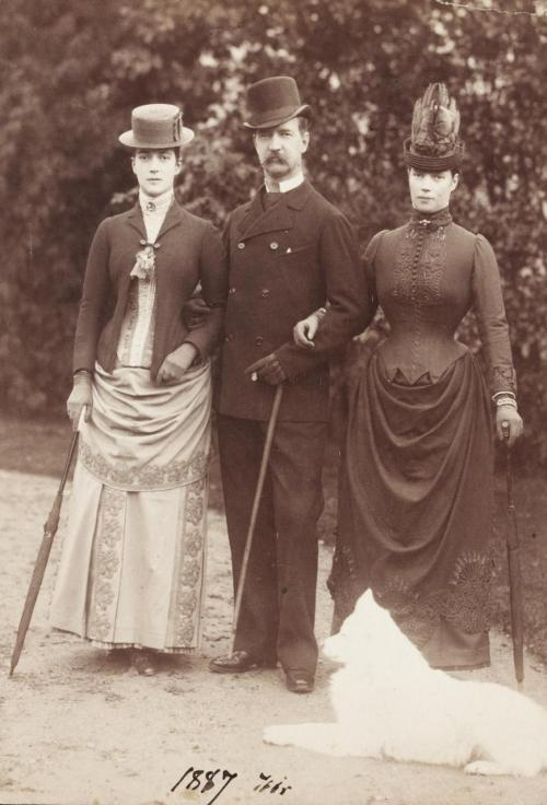 Tsarina Maria Fyodorovna (right) with siblings, Pss Alexandra of Wales and King George I of Greece. Denmark, 1887.