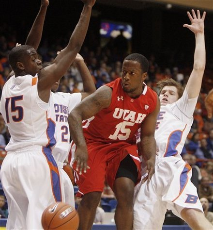 Great photo from Utah/Boise State. 24seconds:  (via NCAAB - Photo Gallery - Yahoo! Sports)
