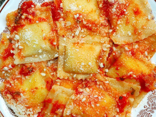 ivegotafoodbaby:  ravioli al sugo by ictlabtv on Flickr.
