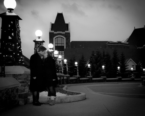 An adorable endaged couple outside of the Banff Springs hotel. A match made in heaven! Learn more about our portrait sittings here.