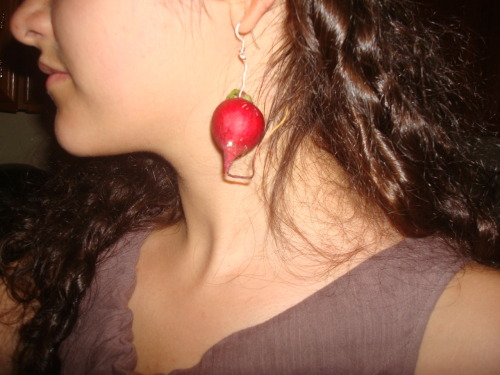 These are my radish earrings for my Luna Lovegood costume for the Deathly Hallows Part 2 premier! The rest of my costume didn't work out so well, (I do NOT look good blond) although my dress was cool. Anyway I figured since I couldn't find something that looked like an orange radish, a normal radish would work just fine.