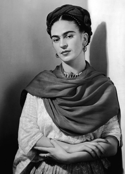 I just love this picture of Frida.