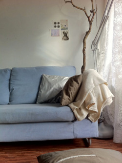 (via desire to inspire - desiretoinspire.net - Reader's home - Franca's cozy apartment)