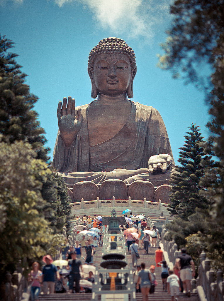 travelingcolors:  Tian Tan Buddha, Hong Kong | China (by Rickuz)