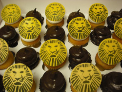 food-fix:  Lion King Cupcakes! (by Retro Bakery in Las Vegas)