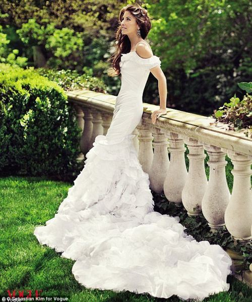 Dylan Lauren, daughter of famed designer Ralph Lauren, in a wedding gown that was designed for her by her father (via Mail Online)