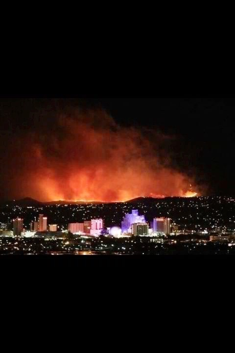 taylords:  This was city last night. A little something to know about Reno: We are the wild west of weather conditions.