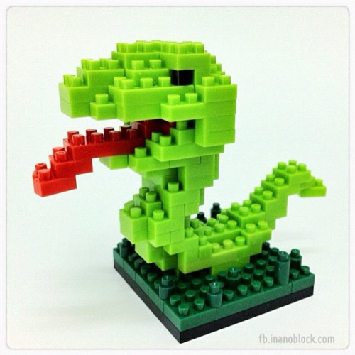 nanoblock Snake … http://fb.inanoblock.com for more … #nanoblock #snake #serpent #nanoblocks #toy #toys  (Taken with instagram)