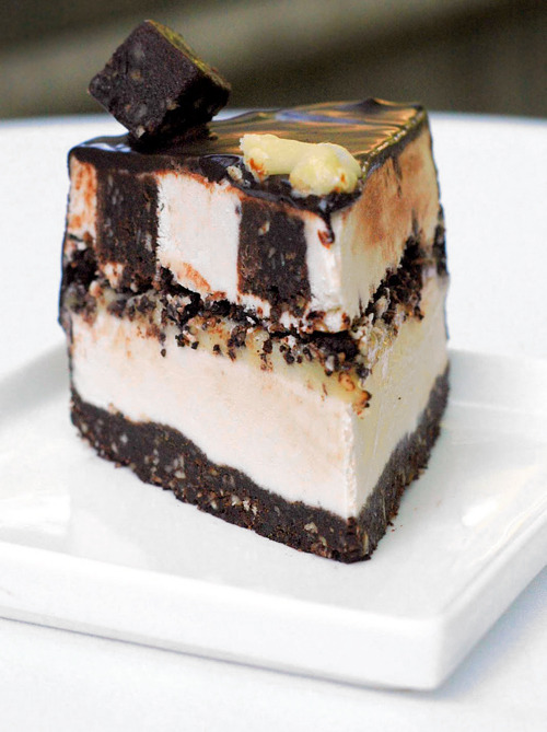 veganfoody:  Brownie Blizzard Ice Cream CakeJust think about how proud you'll be when you can pull off a healthy, whole-foods-based ice cream cake that looks like it came from Dairy Queen.