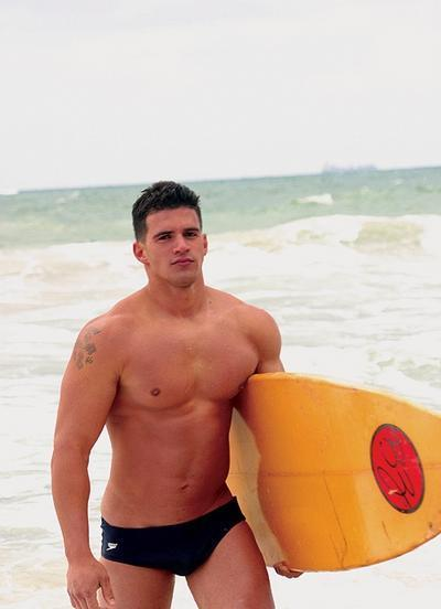 #Speedo® ..  #surfer ..  #hawt   ||  #HunkFinder  ||      fyeahshirtlessmen:  You didn't think he noticed you till he asked if you surfed………………………