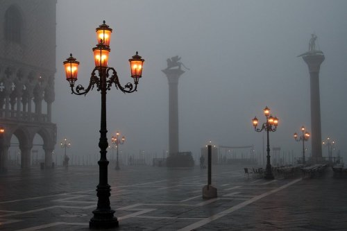 bluepueblo:  Winter Fog, Venice  photo via alexanderfb