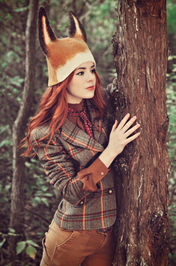 This is the cutest outfit - love the tweed. (via Sea of Shoes: The Fantastic Mr. Fox)