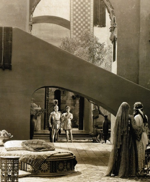 The Moorish/Art Deco-inspired palace sets of The Thief of Bagdad (1924, dir. Raoul Walsh) Art direction by William Cameron Menzies (via)