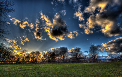Field HDR. by Justin_Boyd on Flickr.