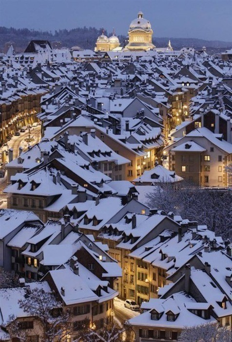 joyous-unknown:  yanchik:  roof tops covered with snow   may I just live in this picture, please?