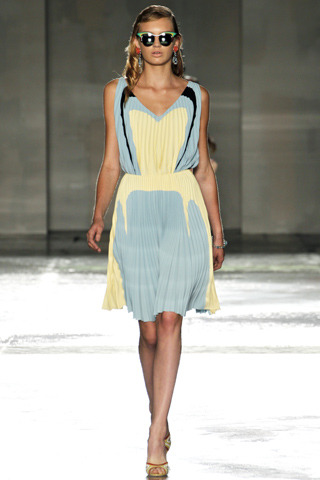 Prada | Spring / Summer 2012 Fashion Collection