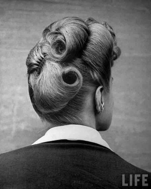 1940s hair style Nina Leen for LIFE magazine