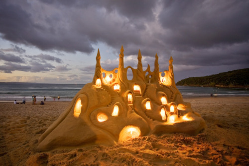 afternoonsnoozebutton:  Lighted sandcastle