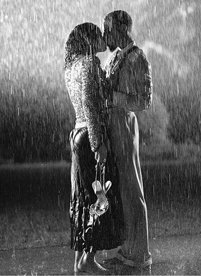 drop everything now meet me in the pouring rain kiss me on the sidewalk