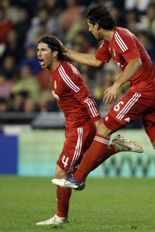 amistosa:  19 Nov. 2011: Ramos and Khedira after Ramos' goal vs. Valencia.     MY BOYS :')  And Sergio always scores on my birthday. Love you too, bb ♥ ;)