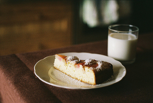 rhubarb pie (by Liis Klammer)