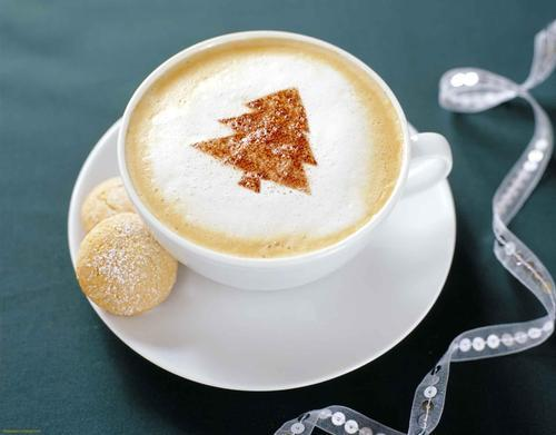 Christmas cappuccino wallpaper on We Heart It. http://weheartit.com/entry/17788631