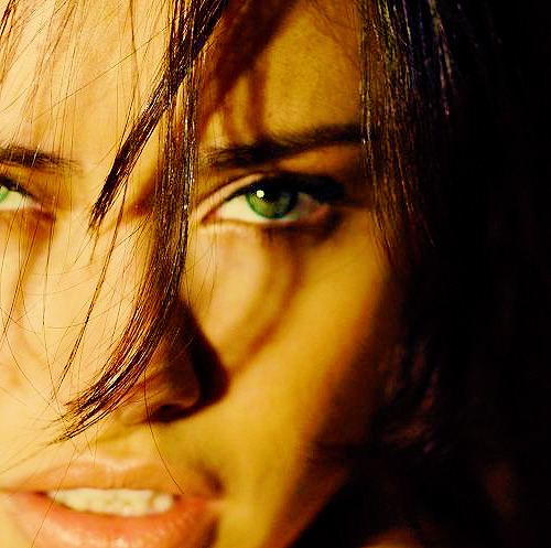 PERFECTION! ς੭ She's amazingly beautiful, can't get enough of Adriana Lima!