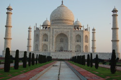 The Taj Mahal at Dawn submitted by: proofreadbyadyslexic, thanks!