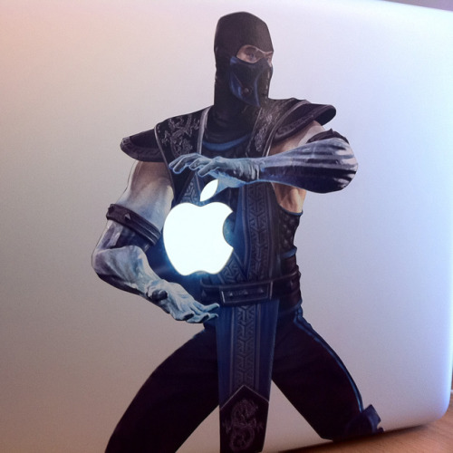 the-awesomer:  MacBook Kombat! (Hat Tip: Fancy)