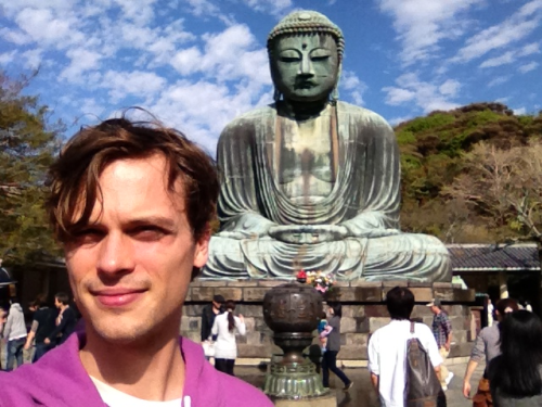 gublernation:  me and the statue of liberty's Japanese cousin  Looks like you are having lots of fun:-)